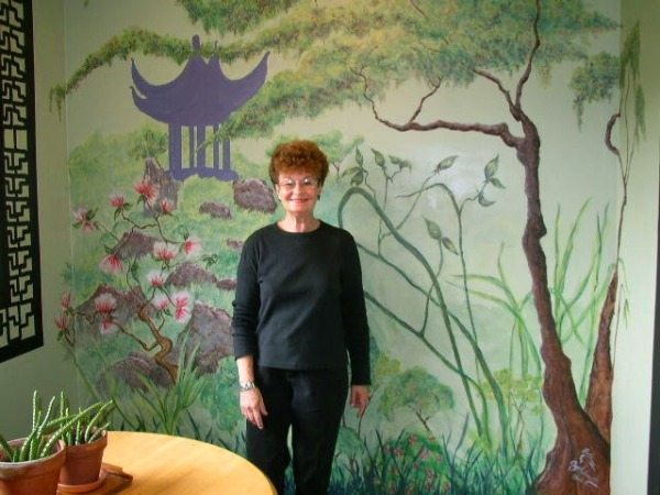 mom and mural